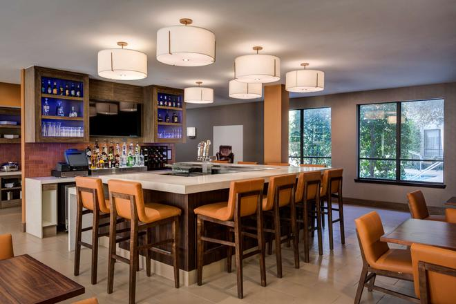 Hyatt House Dallas Uptown - Ντάλας - Bar