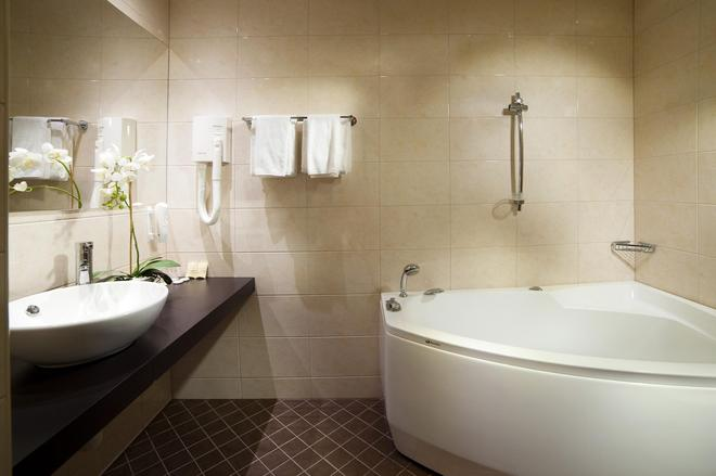 Kreutzwald Hotel Tallinn - Tallinna - Kylpyhuone