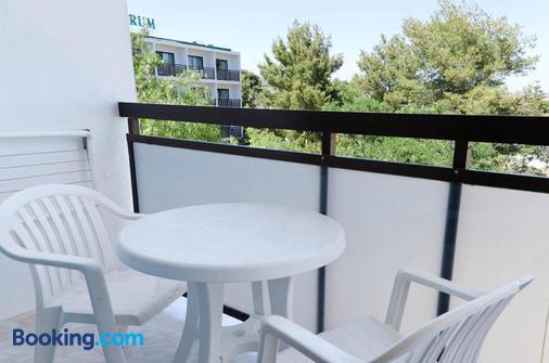 Hotel Playasol Mare Nostrum - Ibiza - Balcón