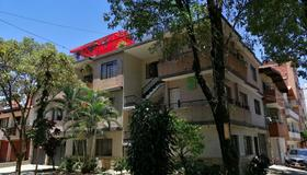 Tu Casa Natura - Hostel - Adults Only - Medellín - Building