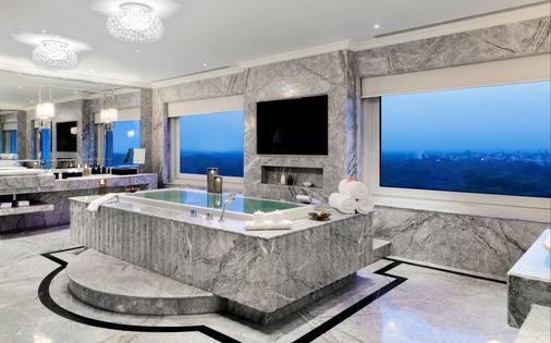 泰姬陵宮酒店 - 新德里 - 新德里 - 浴室