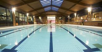 Waterside Hotel & Leisure Club - Mánchester - Piscina