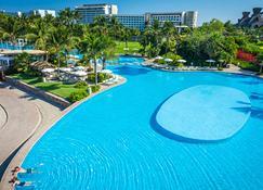 Grand Luxxe - Nuevo Vallarta - Pool
