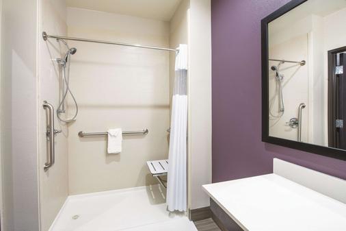 La Quinta Inn & Suites by Wyndham Enid - Enid - Bad