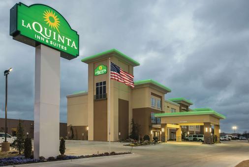 La Quinta Inn & Suites by Wyndham Enid - Enid - Gebäude