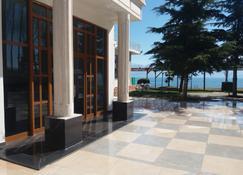 Hotel Victoria - Pogradec - Dış görünüm