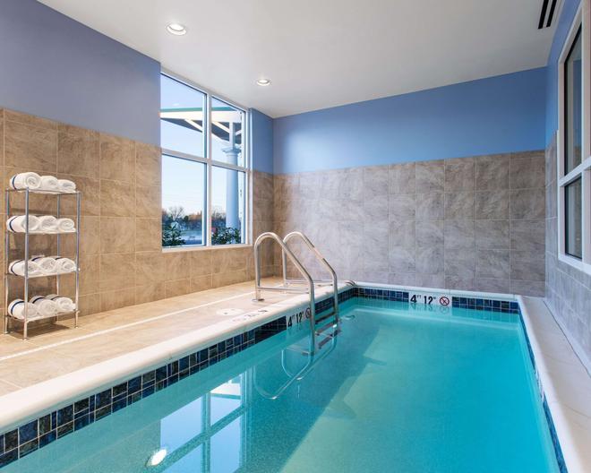 Comfort Suites - DuBois - Pool