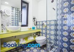 Lol Et Lola Hotel - Cluj Napoca - Bathroom
