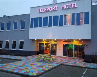 Amsterdam Teleport Hotel - Amsterdam - Building