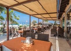 Villa Side Residence - Side - Restaurant