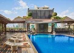 精華金邊酒店 - 金邊 - 金邊 - 游泳池