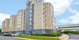 Homewood Suites by Hilton Dulles International Airport - Herndon