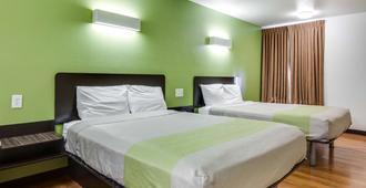 Motel 6 Longview - North - Longview - Bedroom
