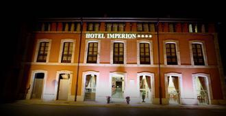 Hotel Imperion - Cangas de Onís - Edificio