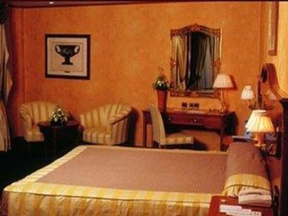Hotel Tirrenus - Perugia - Bedroom