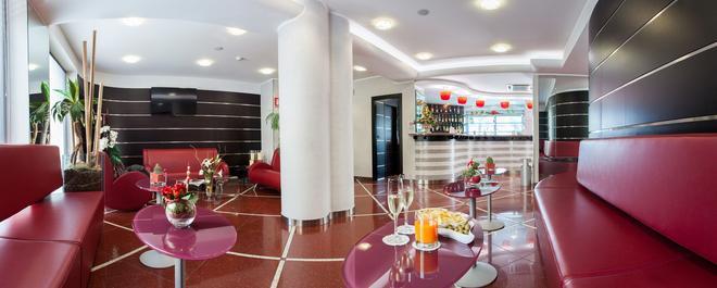 Hotel Majorana - Rende - Recepción