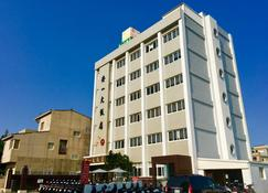Penghu An-I Hotel - Magong City - Building