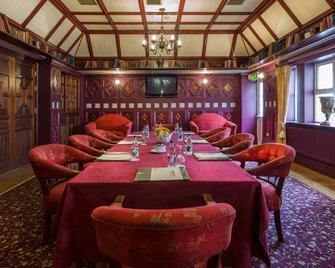 Newgrange Hotel - Navan - Dining room