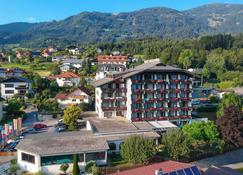 Hotel Bellevue - Seeboden - Gebäude