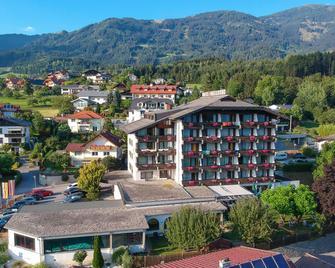 Hotel Bellevue - Seeboden - Building