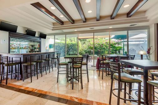 Quality Inn Monterrey La Fe - Guadalupe (Nuevo León) - Bar