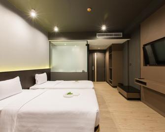 Maya Phuket Airport Hotel - Sakhu - Bedroom