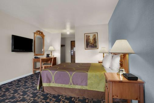 Super 8 by Wyndham Springfield/Eugene - Springfield - Bedroom