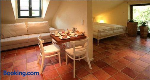 Vinotel Augustin - Kitzingen - Living room