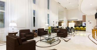 Comfort Suites Oscar Freire - Sao Paulo - Lobby
