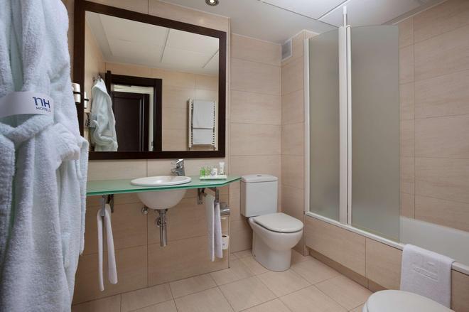 NH Ciudad de Santander - Santander - Bathroom