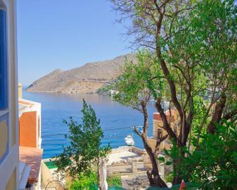 Dorian Hotel - Ano Symi - Outdoors view