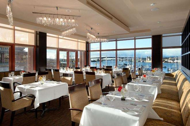 河石娛樂渡假酒店 - 里士滿 - 餐廳