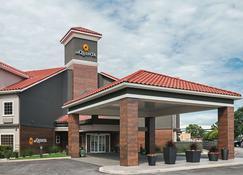 La Quinta Inn & Suites by Wyndham Fort Worth North - Fort Worth - Bina