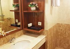 Park Regis Arion Kemang - South Jakarta - Bathroom