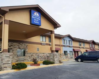 Americas Best Value Inn & Suites Harrisonville - Harrisonville - Building