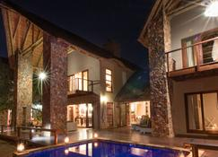 eKhaya Bush Villa - Hoedspruit - Bygning