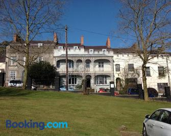 8a Spring Gardens - Haverfordwest - Building