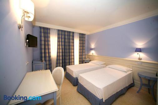 Palace Hotel Vieste - Vieste - Phòng ngủ