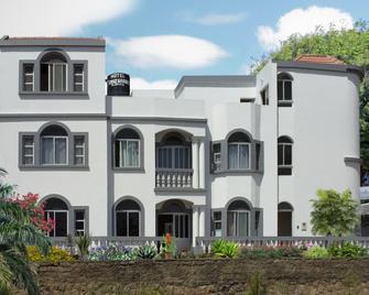 Hotel Cruz Grande - Brava - Nova Sintra - Edificio