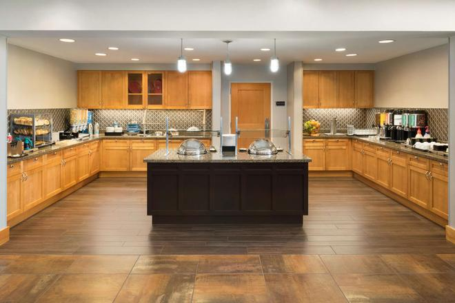 Homewood Suites by Hilton Madison West - Madison - Μπουφές