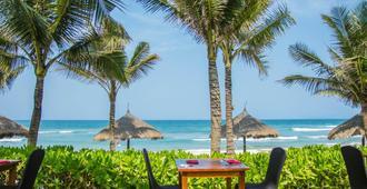 Melia Danang Beach Resort - Da Nang - Beach