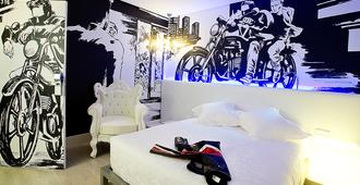 Dormirdcine Cooltural Rooms - Madrid - Bedroom