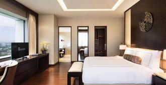 Fairmont Jakarta - ג'קרטה - חדר שינה