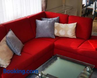 Ferienwohnungen und Ferienhaus im Nixenweg - Hohwacht - Living room