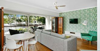 Mantra On The Inlet - Port Douglas - Living room
