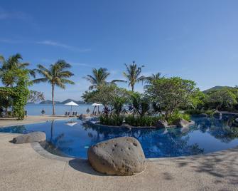 Bintang Flores Hotel - Labuan Bajo - Pool