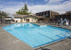 Red Lion Hotel Port Angeles Harbor - Port Angeles - Pool