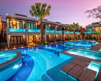 自然藝術旅館 - 波尼多 - 博尼圖 - 游泳池