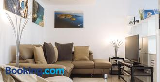Tres Chic Double Sized Apartment - Bucharest - Living room