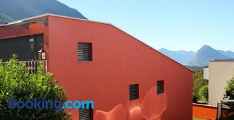 MT's Cosy Place - Lugano - Building